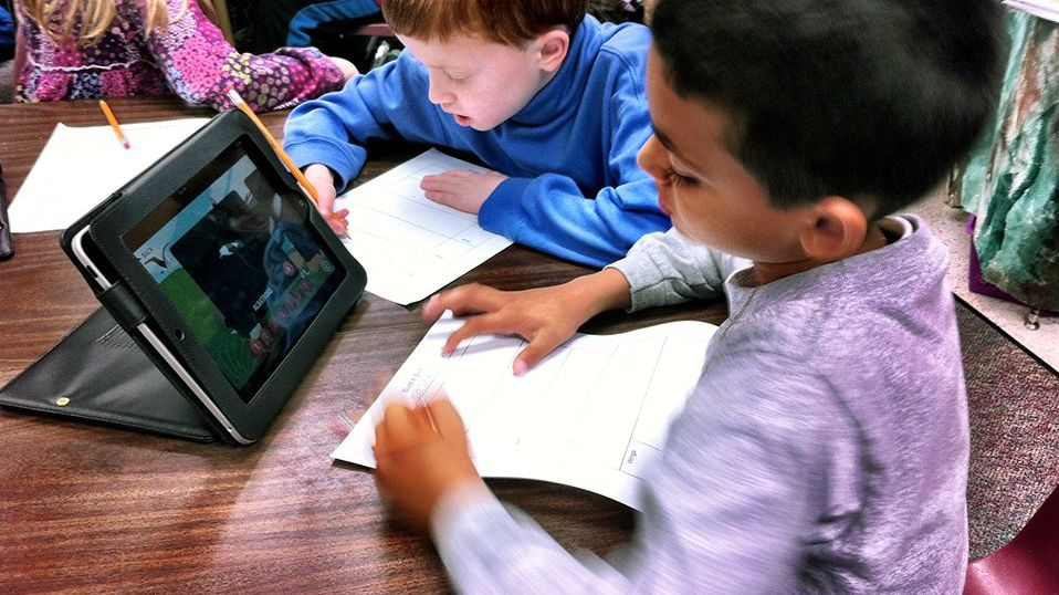 Sharing the Screen in 1:1 Classrooms