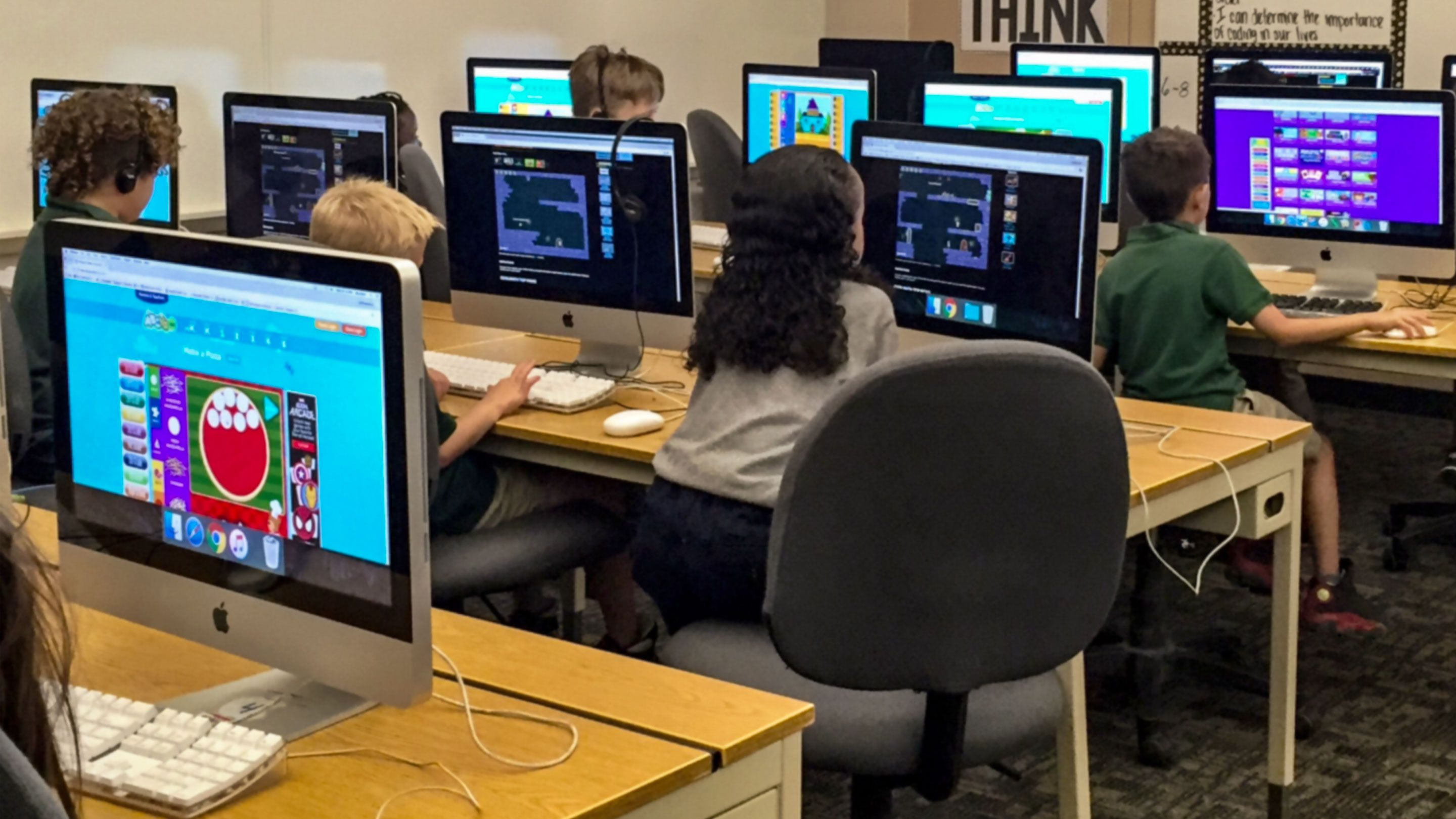 15 Ways of Teaching Every Student to Code Even Without a puter