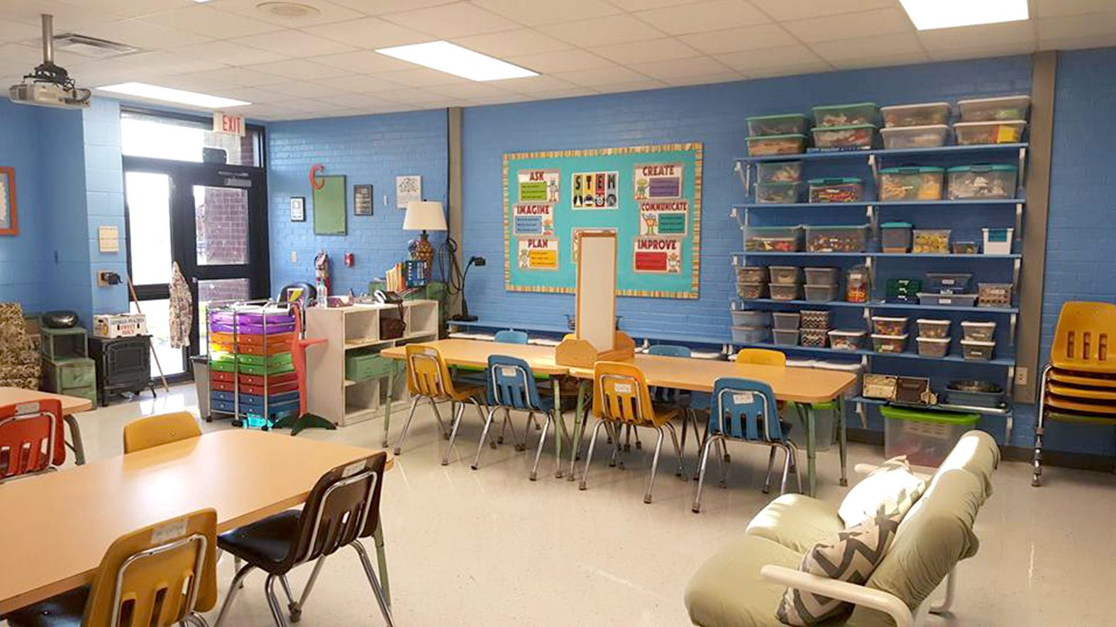 Dos And Don Ts Of Classroom Decorations Edutopia,Single Layer Small Simple Ceiling Design For Bedroom