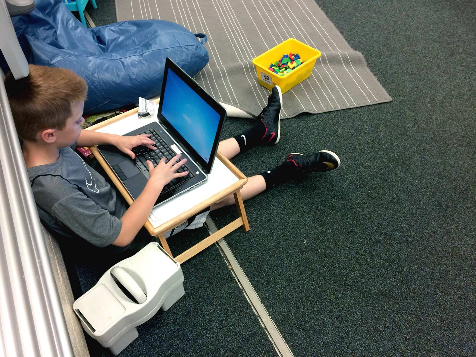 Roscioli's students can bring a lap desk with them, turning any area into a work space.