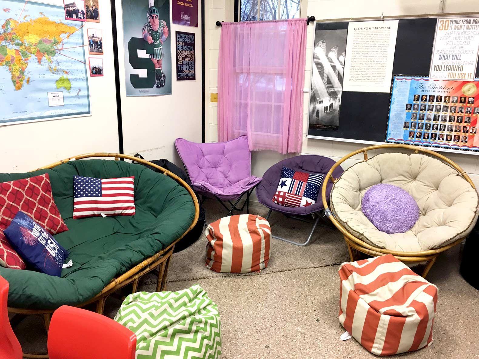 With a 750-square-foot room, Kendra Caralis arranged a variety of seating in one corner—from beanbags to collapsible chairs—to accommodate her 32 students.