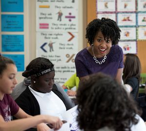 Cicely Woodard teaches students in STEM class.