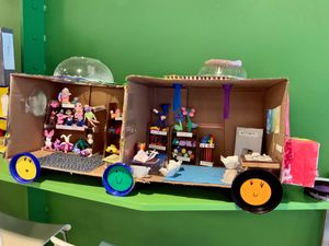 A student's project of a mobile toy library.