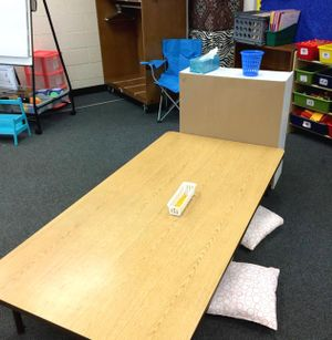 Low-table seating and storage options in a classroom